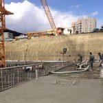 عملیات بیس پلیت و بتنریزی پروژه ساختمان اداری در حال اجراست