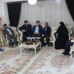 شهردار تبریز با خانواده شهید صادق عدالت اکبری دیدار و گفتگو کرد