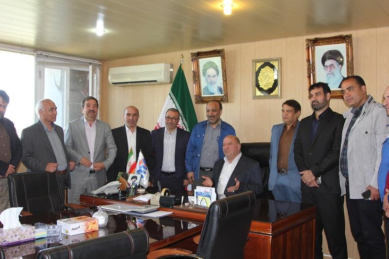 فرخ زاد مالک جدید ماشین سازی تبریز؛ در صدد هستیم برای پنج هزار نفر اشتغالزایی مستقیم ایجاد کنیم.