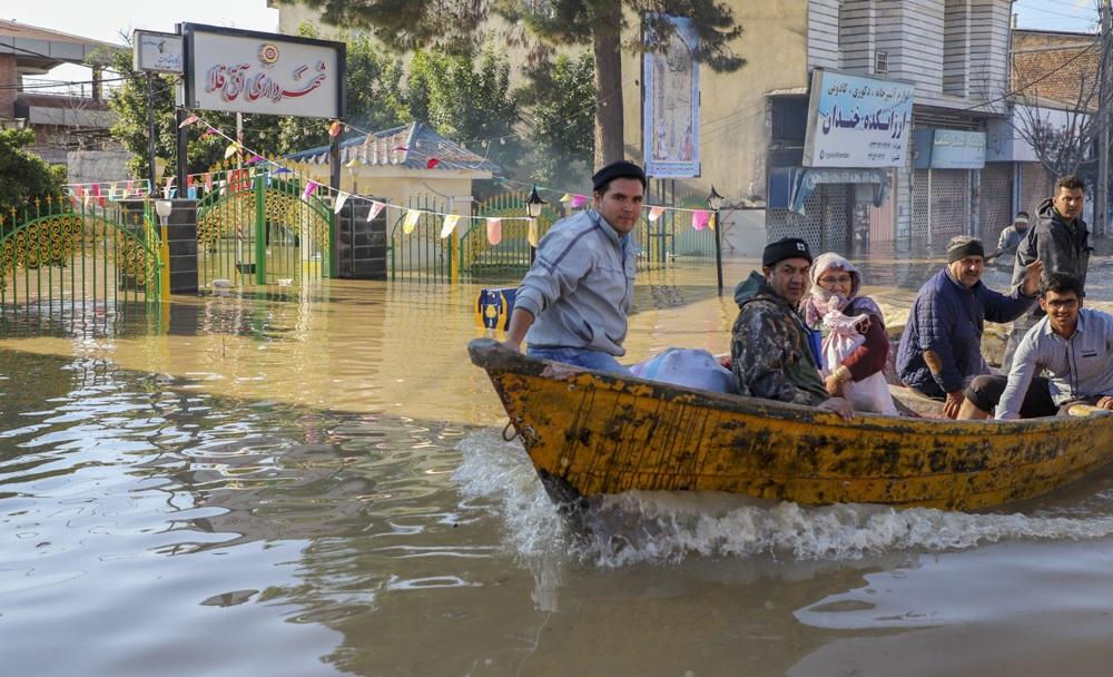 آخرین اخبار از سیل کشور/ هشدار سیلاب به ۱۰ استان/ ارتفاع آبگرفتگی در آققلا حدود نیم متر کاهش یافت/ آخرین وضعیت جاده، فرودگاه و راهآهن در مناطق سیلزده/ آغاز بارش در مناطق سیل زده از سهشنبه/ آماده باش کامل دستگاههای امدادی برای بارندگیها در بوشهر
