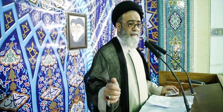 انتقاد از وضعیت مقبرهالشعرا تا حذف نام شهدا در اماکن عمومی تبریز