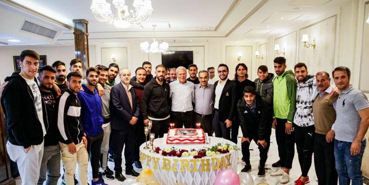 جشن تولد دنیزلی در باشگاه تراکتور