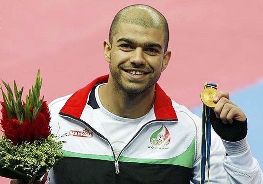 ورزشکار میانهای مدال المپیک خود را به نفع زلزله زدهها حراج میکند