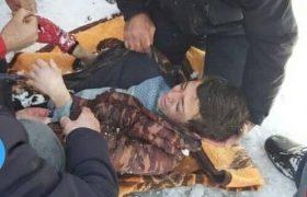 نجات پسر ۱۱ ساله از زیر بهمن در اسکو