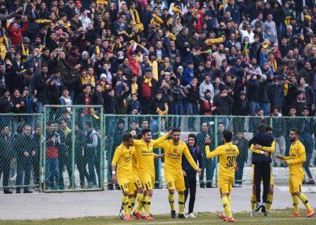 سرمربی تیم فوتبال ۹۰ اورمیه استعفا داد