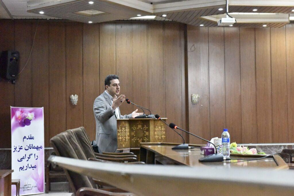 برای نخستین بار در سطح کشور صورت گرفت؛ تشکیل اولین انجمن صنفی ناشران کتاب کشور در آذربایجان شرقی